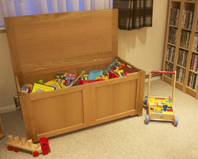 Discover what to look for when choosing a toy box. See why Big is Better