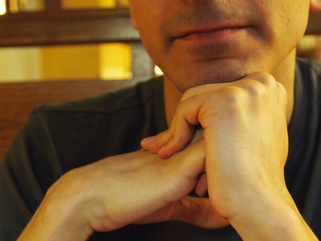 Just thinking out loud! Using clenched fists to help memory call
