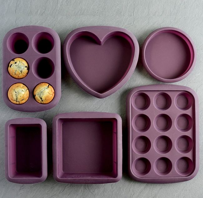 Silicone bakewake comes in an amazing range of shapes and sizes for baking. There are also molds and patty cups